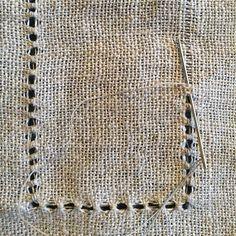 Øve, øve, øve... #musetagger #lin #håndvevd #skjorte #tradisjon #hvitsøm #linen #handwoven #embroidery