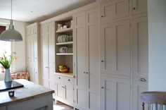 Painted cream shaker kitchen - Eastburn Country Furniture