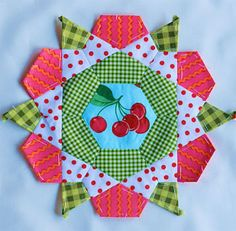 Rose Star block seen at mollyflanders.blogspot.com (used with permission)