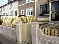 This fencing is a cute way to make your front garden individual while also keep maintenance at a low. Fence Screening, Landscaping Company, Garden Fencing, Back Gardens, Screens, Dublin, Garden Design, Construction, Landscape
