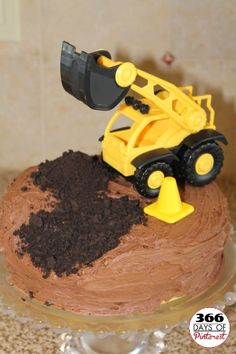 Construction Cake - perfect for Cole's 4th = digger party