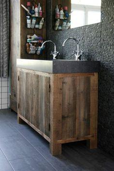 Badkamermeubel van eikenhout met betonnen wastafel  Badkamermeubel ...