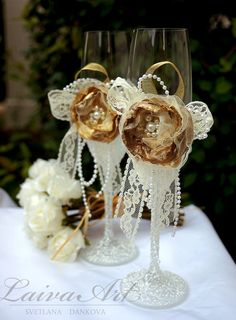 Wedding / Champagne Flutes / Wedding Glass / Gold / Ivory / Rustic / Vintage / Shabby Chic / Wedding - pinned by pin4etsy.com