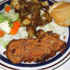 Meatloaf: Amish Meatloaf just made this, best meatloaf I've ever made! Amish Meatloaf Recipe, Meatloaf Topping, Best Meatloaf, Meatloaf Recipes, Beef Recipes, Cooking Recipes, Meatloaf Sandwich, Homemade Meatloaf, Yummy Recipes