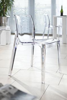 Louis ghost chair inspired plexiglas stuhl klar acryl for Design stuhl durchsichtig