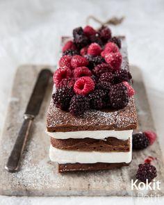 Brownie-jäätelökakku | Kokit ja Potit -ruokablogi No Bake Cake, Tiramisu, Cheesecake, Deserts, Ice Cream, Sweets, Baking, Ethnic Recipes, Party Party
