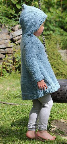 Plain girlie hoodie / Enkel kittel med hette pattern by Anna & Heidi Pickles - baby knits - Knitting For Kids, Knitting Yarn, Free Knitting, Baby Knitting, Knit Or Crochet, Crochet For Kids, Crochet Baby, Knooking, Hoodie Pattern