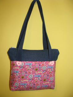 "girl hand bag ""peace and love"""