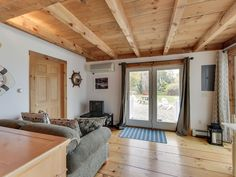 Pretty Picky Properties: in Eastham, waterfront, sleeps 20 Queen Bedroom, One Bedroom, Unique Vacations, Large Sectional, Window Unit, Play Spaces, Decks And Porches, Carriage House, Beach Chairs