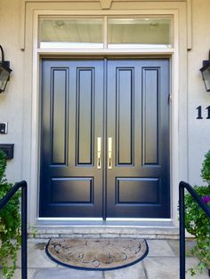 ideas main double door design entrance woods for 2020 Wooden Main Door Design, Double Door Design, Front Door Design, Bungalow Haus Design, Double Front Entry Doors, Custom Wood Doors, Door Design Interior, House Entrance, Exterior Doors