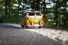 Kim Leuenberger's miniatures Micro Photography, Miniature Photography, Still Photography, Toys Photography, Creative Photography, Amazing Photography, Car Photos, Car Pictures, Vw T1