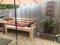 Pallet garden sofa #Garden, #PalletSofa, #ReclaimedPallet, #RecycledPallet