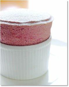 Low FODMAP Recipes Easy raspberry soufflé - Gluten free recipe http://www.ibssano.com/low_fodmap_recipes_easy_raspberry_souffle.html