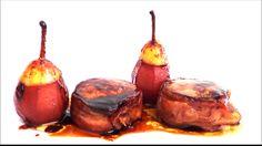 medalhões de carne envoltos com bacon e peras