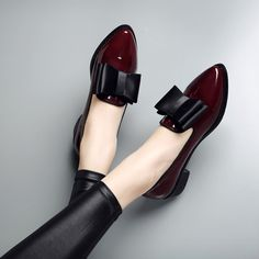22.42$  Buy here - http://aligtr.shopchina.info/go.php?t=32796366353 - High quality patent leather wine red women causal pointed toe bow knot ladies flat loafer shoes plus big size 9.5 1653W  #buyonlinewebsite