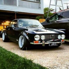 The owner of this amazing Alfa Romeo 105 has built the car of his dreams and I am sure others as well. The biggest modification is the removal of the factory engine and replacing it with a Nissan S… Auto Retro, Retro Cars, Vintage Cars, Rat Rods, Sexy Cars, Hot Cars, Maserati, Ferrari, Alfa Romeo Cars