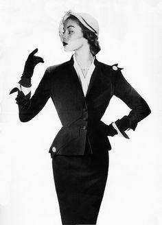 Jean Patchett   50s suit