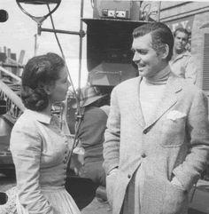 """Vivien Leigh and Clark Gable behind the scenes of """"Gone With the Wind"""""""