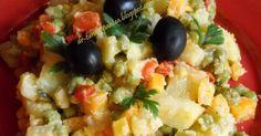 O salata minunata pt zilele de amidon ...mi-a placut mult ... Ingrediente: - 6 cartofi - 3 morcovi - jumatate de telina - o cutie de ... Veg Recipes, Potato Recipes, Cooking Recipes, Healthy Recipes, Cooking Food, Raw Vegan, Vegan Vegetarian, Vegetarian Recipes, Rina Diet
