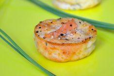 Petites bouchées apéritives au saumon Cuisine Diverse, Snacks, French Food, Appetizers For Party, Appetizer Ideas, Flan, Easy Cooking, Salmon Burgers, Brunch