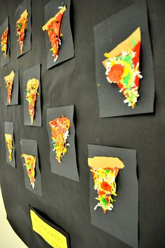 art actually: teach Texture Pizzas texture lesson: child.only a few more days left at school! Here's some photos from the art show we had back in March. grade Paper Collage Self Portrait.Silly way to have the kids express their favorite pizza, using Kindergarten Art Lessons, Art Lessons Elementary, Pizza Kunst, Pizza Art, First Grade Art, 3d Art, This Is A Book, Middle School Art, Reggio Emilia