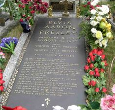 Elvis resting place at Graceland in the memorial garden.