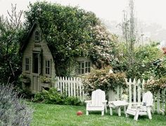 Shabby Chic Tiny Retreat: Tiny Porch Ponderings
