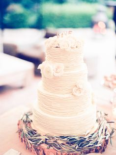 Textured white wedding cake: http://www.stylemepretty.com/missouri-weddings/st-louis/2015/11/27/intimate-meets-classic-st-louis-wedding/ | Photography: Jordan Brittley - http://jordanbrittley.com/