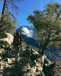 Hiking to Upper Yosemite Falls with @wheretowillie and @melissafindley