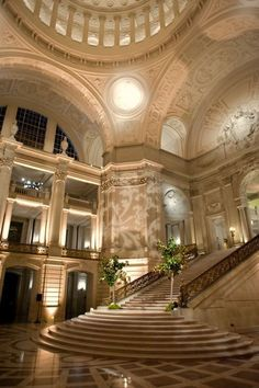 Ideas house entrance architecture grand staircase for 2020 Grand Staircase, Staircase Design, Luxury Staircase, Stair Design, Staircase Ideas, Beautiful Architecture, Architecture Design, Building Architecture, Dream Home Design