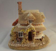 Lilliput Lane Circular Cottage Blaise Hamlet Unboxed No Deeds Excellent