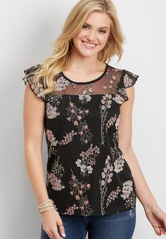 New Arrival Tops: Trendy Sweaters, Blouses, Tanks & Womens Trendy Tops, Casual Tops For Women, Blouse Styles, Blouse Designs, Floral Jacket, African Print Fashion, Fashion Outfits, Cool Outfits, Stylish Dresses
