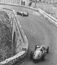 Gran Premio di San Remo 1950.  Fangio n°18, Alfa 158. Ascari n°12, Ferrari 125 :: dbslrt