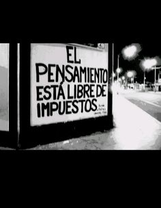 El pensamiento está libre de impuestos #accionpoetica