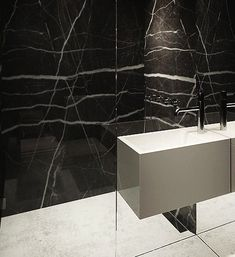 Black and white, elegant bathroom by Katarzyna Kraszewska _