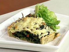 Tarta de espinaca Spinach Recipes, Spanakopita, Empanadas, Ethnic Recipes, Food, Gourmet, Spinach Pie, Sauteed Vegetables, Sour Cream