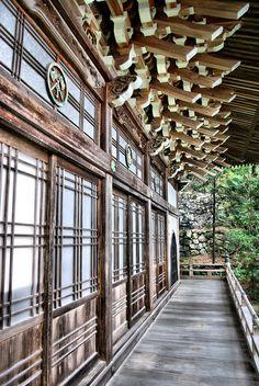 The structures! I must go to Japan! Japanese Travel, Japanese Style, Japan Architecture, Miyajima, Japan Photo, Art Nouveau, Buddhist Temple, Rising Sun, Hiroshima