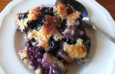 Quick blueberry cobbler is easy and one of my favorite cobblers to serve for any occasion. A delicious dessert everyone loves. Blueberry Cobler, Blueberry Oatmeal, Just Desserts, Delicious Desserts, Dessert Recipes, Berry Cobbler, Canadian Food, Fancy Drinks, Blueberry Recipes