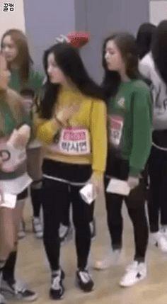 Siyeon & Eunwoo (Pledis Girlz) in Produce 101