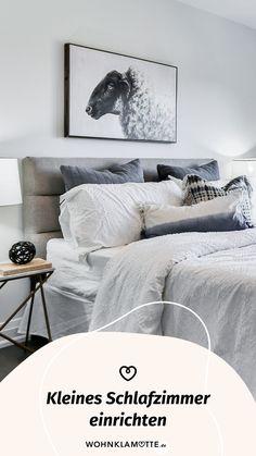 Das Schlafzimmer ist der wichtigste Raum in Deinem Zuhause, denn es ist Deine persönliche Ruheoase. In diesem Beitrag geben wir Dir deshalb hilfreiche Tipps, wie Du auch ein kleines Schlafzimmer einrichten kannst und dabei den Raum optimal ausnutzt. Comforters, Blanket, Bedroom, Home, Helpful Tips, Bed Ideas, Room Interior Design, Bedroom Ideas, Home Decor Accessories
