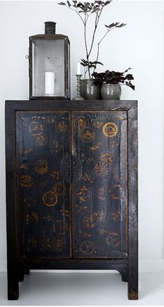 爱 Chinoiserie? 爱 home decor in Chinese Chippendale style - Vintage… Asian Furniture, Chinese Furniture, Oriental Furniture, Painted Furniture, Furniture Design, Plywood Furniture, Bathroom Furniture, Asian Interior Design, Chinese Interior