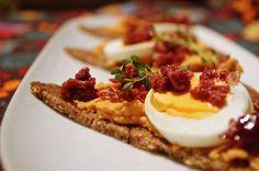 Hummus se sušenými rajčaty & tapenáda z oliv | Ze zahrady do kuchyně