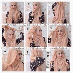 Everyday Hijab Tutorial With Folds Modern Hijab Fashion, Hijab Fashion Inspiration, Stylish Hijab, Hijab Chic, Bridal Hijab Styles, How To Wear Hijab, Hijab Jeans, Simple Hijab, Hijab Style Tutorial