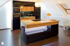 Kuchnia na poddaszu - Średnia otwarta kuchnia w aneksie z wyspą, styl nowoczesny - zdjęcie od Meble Ideal