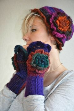 Colorful  hat and gloves - color inspiration