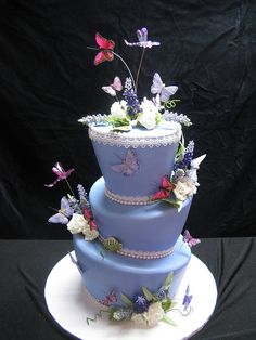 Butterfly Topsy Turvy Cake... I want someine to make this cake for me, for my birthday.
