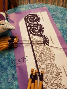 Bobbin Lace Patterns, Tatting Patterns, Irish Crochet, Crochet Lace, Hobbies And Crafts, Diy And Crafts, Tambour Beading, Bobbin Lacemaking, Point Lace