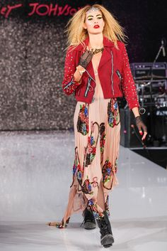 Betsey Johnson Spring 2013 Ready-to-Wear Collection Slideshow on Style.com