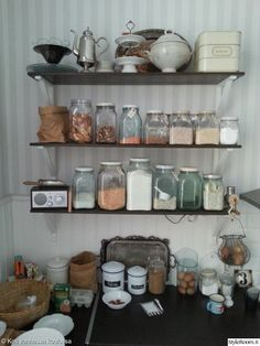 avohyllyt,riihimäen lasipurkki,ilvestölkki,keittiö,lasipurkit