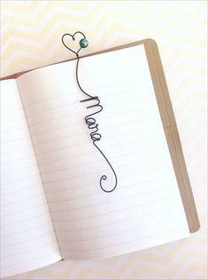 Unique Personalized Bookmark, Unique Wedding Favor, Bridal Shower Gift, Personalized Heart Bookmark with Glass Pearl Bead - Wire bookmarks with names - Wire Bookmarks, How To Make Bookmarks, Crochet Bookmarks, Unique Wedding Favors, Unique Weddings, Wedding Jewelry, Wire Crafts, Jewelry Crafts, Diy Marque Page